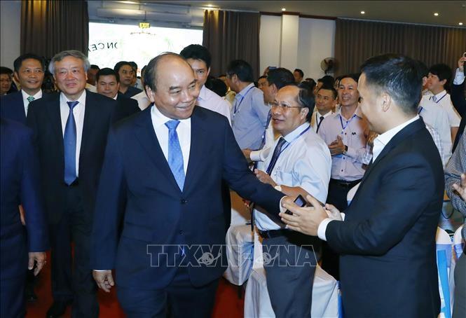 นายกรัฐมนตรีเหงวียนซวนฟุกเข้าร่วมการประชุมส่งเสริมการลงทุนจังหวัดกว๋างหงายปี 2019 - ảnh 1
