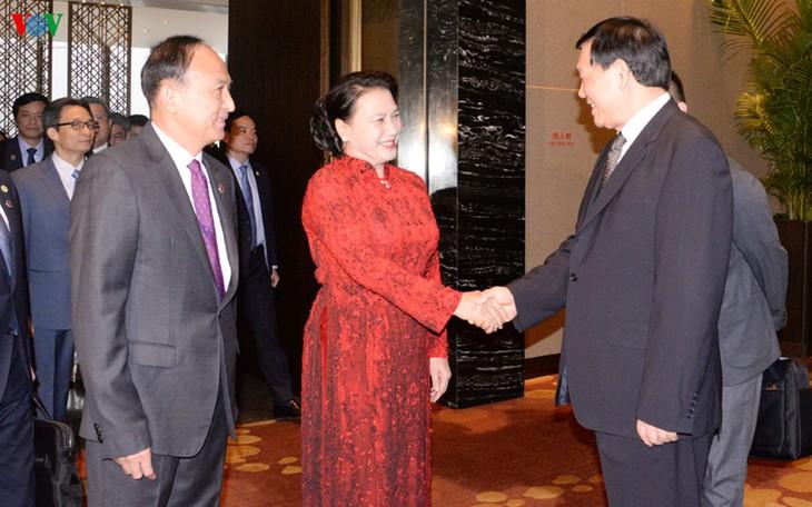 ประธานสภาแห่งชาติเหงวียนถิกิมเงินให้การต้อนรับเลขาธิการพรรคสาขามณฑลเจียงซู ประเทศจีน - ảnh 1