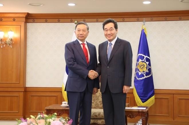 รัฐมนตรีว่าการกระทรวงรักษาความมั่นคงทั่วไปโตเลิมเยือนประเทศสาธารณรัฐเกาหลี - ảnh 1